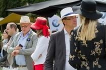 Nederland, 25-08-2018 Apeldoorn Op een vam de velden bij paleis Het Loo wordt het tweedaagse Royal Polo at the Palace gehouden. Tijdens het evenement worden een aantal polowedstrijden gespeeld en strijden vier professionele poloteams om de King's Cup. Er is ook een hat of the day award te winnen. De dresscode is summer chic. Dames worden geacht met een hoed te verschijnen. 's Middags wordt er voor de jongste bezoekers een spannende Kids Pony Race gehouden. Een plek in de Royal Polo Lounge lost 250 euro. De opbrengst van het evenement is voor een goed doel. Foto: Bert Spiertz